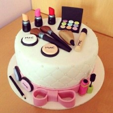 Makeup Themed Cake-07